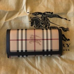 Beautiful Burberry wallet